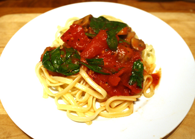 spinach and mushroom tomato sauce