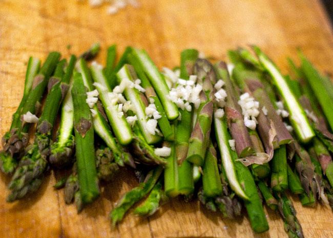 steamed asparagus with garlic recipe
